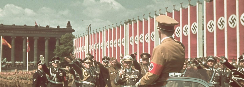 Deň, kedy Adolf Hitler navštívil čerstvo dobytý Paríž, sa stal jednou z ikonických udalostí druhej svetovej vojny