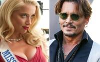 Deppa odstrčil Hollywood na vedlejší kolej, Amber Heard si užívá nejlepší období. Jak se stal z vášnivé romance učiněný horor?
