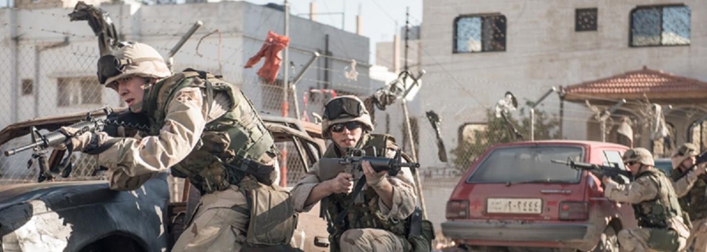 Desivá vojna v Iraku očami vojakov v podaní Henryho Cavilla a Nicholasa Houlta. Takto vyzerá autentická vojnová dráma Sand Castle od Netflixu