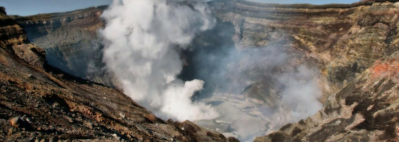 Desivé scény ako z Pompejí. Výbuch sopky pochovával ľudí v Guatemale zaživa, zničil domy, autá aj okolitú prírodu