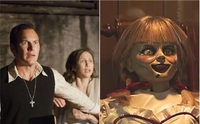 Děsivý trailer pro Annabelle 3 ukazuje mnoho debilních postav, démony a scény, které tě v kině vykopnou ze sedačky