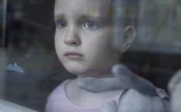 Deti s ťažkým osudom majú len jeden sen, zatiaľ sa však na svet dívajú cez okno. Pomôž tým, ktorí si nevedia sami