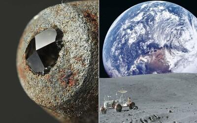 Diamant není nejtvrdší látkou na světě a Velká čínská zeď z Měsíce není vidět. Tato fakta nás učili ve škole, dnes jsou však hloupostí