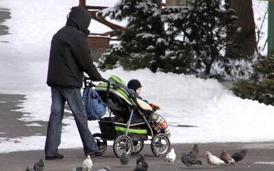 Dieťa ruských rodičov umrzlo na balkóne pri -7°C. Umiestnili ho tam, aby zaspalo na čerstvom vzduchu