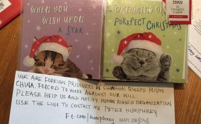 Holčička vyplňovala vánoční pozdravy. V jednom našla vzkaz čínských vězňů s prosbou o pomoc