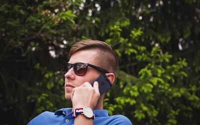 Díky novému zákonu budeme mezi státy EU volat nejvýše za 6 Kč za minutu a psát SMS do 2 Kč