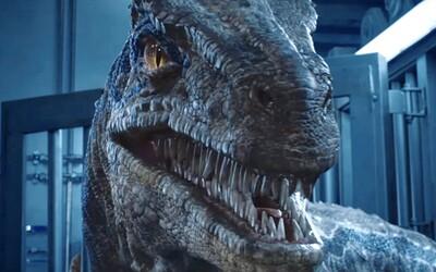 Dinosaury sa vo finálnom traileri pre Jurský svet 2 dostali do civilizácie. Na ľudí útočí aj ten najnebezpečnejší z nich