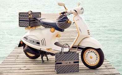 Dior a Vespa predstavujú skúter s ikonickým monogramom. Ide o zatiaľ najlepšiu spoluprácu v tomto roku?