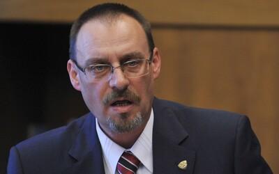 Disciplinárny senát o Dobroslavovi Trnkovi nerozhodol ani po celom dni. 8-hodinové pojednávanie odročili