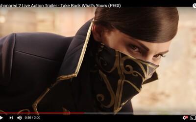 Dishonored 2 přichází se skvělým hraným trailerem, který byl natočen v Česku. Kdo si zahrál Corva a Emily?