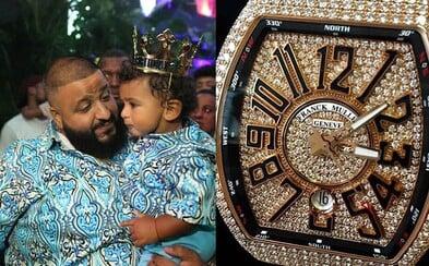 DJ Khaled daroval svému synovi k 1. narozeninám hodinky za 100 tisíc dolarů