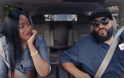 DJ Khaled sa prezliekol za šoféra a vozil ľudí po New Yorku. Niektorým trvalo dlho, kým ho spoznali