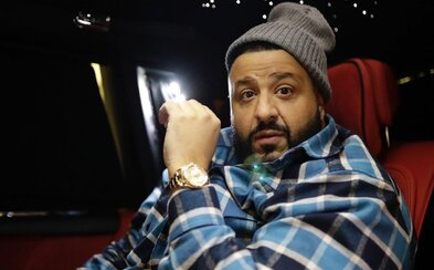 DJ Khaled věnoval americkým zdravotníkům přes 10 000 roušek a další zdravotnické vybavení