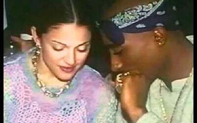 Do aukce se dostane Tupacův dopis, ve kterém vysvětluje Madonně, proč se s ní rozešel. Stála za tím jeho image i barva pleti