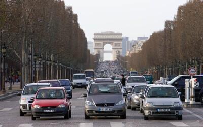 Do centra Paříže nebudou smět auta. Zákaz bude platit každou první neděli v měsíci