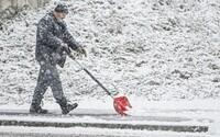 Do Česka míří prudké ochlazení. Letní teploty vystřídá sněhová nadílka