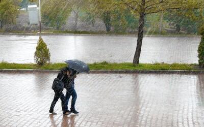 Do Česka míří studená fronta. Přinese bouřky, déšť a ochladí se až o 10 °C