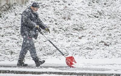 Do Česka se vrátí zima, sněžit má i v nížinách