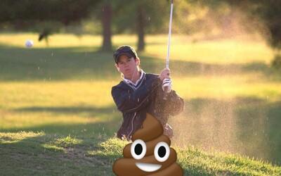 Do jamiek golfového ihriska sa neznámy muž vyprázdňuje už 10 rokov. Takmer každý deň zanechá majiteľovi hnedý pozdrav