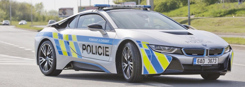 Do radov českej polície sa začlenilo jedno z najrýchlejších policajných áut, unikátny plug-in hybridný športiak