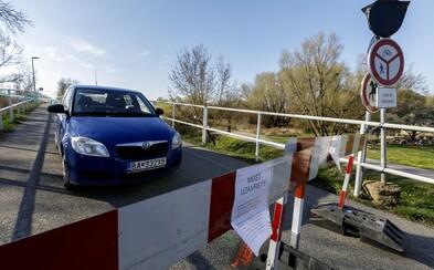 Do Rakúska už môžeš prejsť aj mimo oficiálnych hraničných priechodov. Otvárajú tiež Cyklomost slobody v Devínskej Novej Vsi