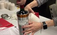 Do vesmíru poputovali fľaše vína, astronauti sa ale opíjať nebudú. Chcú zistiť, ako rýchlo bude alkohol starnúť
