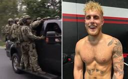 Do vily youtubera Jakea Paula vtrhla armáda príslušníkov FBI