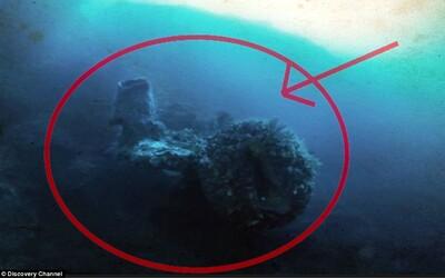 Dobrodruh tvrdí, že pod Bermudským trojúhelníkem objevil mimozemskou loď, která tam ztroskotala před stovkami let