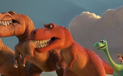 Dobrý Dinosaurus od Pixaru prezentuje svoje silné stránky, o emócie v kine rozhodne núdza nebude