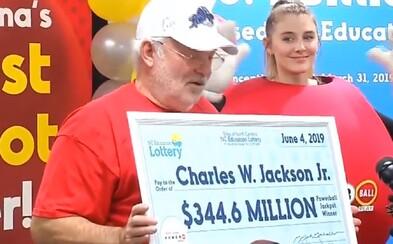 Důchodce vsadil čísla z čínského koláčku štěstí a vyhrál 345 milionů dolarů