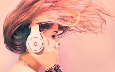 Dokážu slúchadlá permanentne poškodiť náš sluch? Na toto by sme si mali pri počúvaní dávať pozor