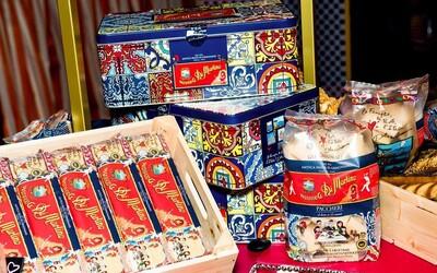 Dolce & Gabbana sa dali na jedlo. Ponúkajú špeciálne vianočné balíčky cestovín za 100 eur