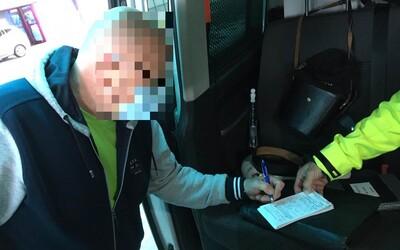 Domácu karanténu porušil už po dvoch dňoch. Muž zaplatil pokutu 1 000 €, lebo chcel ísť na výlet do Rakúska