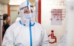 Dominika Cibulková už pracuje na odběrovém místě v první linii