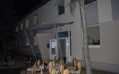 Domov dôchodcov v Zemianskych Kostoľanoch z piatka na sobotu zachvátil požiar. V plameňoch tragicky zomreli dve ženy