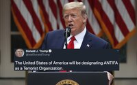 Donald Trump označil Antifu za teroristickou organizaci