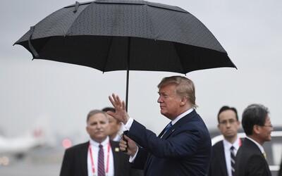 Donald Trump prý navrhl shodit atomovou bombu na hurikány předtím, než zasáhnou USA
