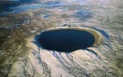 Dopady meteoritov: Väčšina zhorí v atmosfére, no tie väčšie dokážu spôsobiť aj zánik všetkého živého