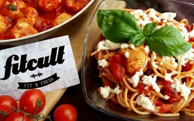 Dopraj si úžasný obed či večeru. Špagety s kuracími guľôčkami a rajčinovo-bazalkovou omáčkou si určite obľúbiš (Recept)