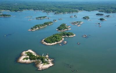 Dopřej si výhled na Manhattan z osmi ostrovů, které jsou na prodej za 78 milionů dolarů. Užít si budeš moci i golf či tenis