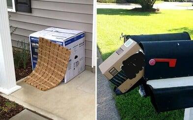 Doručovatelia balíkov, ktorí neradi strácajú čas. Ukrývanie pod rohožku a zničený tovar nie je ničím výnimočným