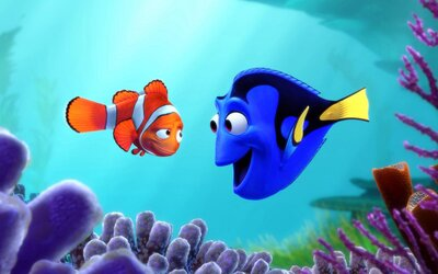 Dory potkává v traileru pro pokračování Hledá se Nemo nové přátele, ale i staré želvy