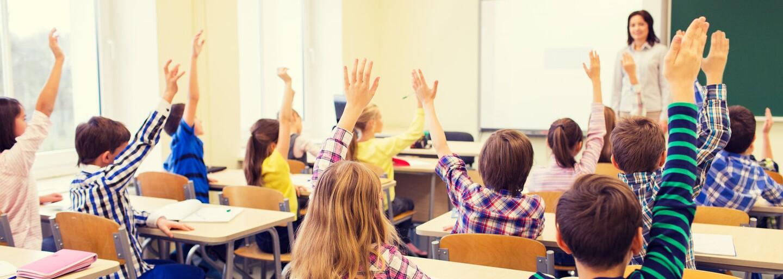 Dosavadní vysvědčení bude nahrazeno novým. Školy začnou povinně využívat nové formuláře, kde jsou známky zašifrované pomocí QR kódů