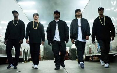 Dr. Dre a Ice Cube v necenzurovanom traileri filmového spracovania histórie N.W.A.