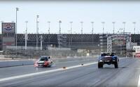 Drag race, v ktorom si 850-koňový trophy truck ani neškrtne. Dôvodom je 10 000-koňový dragster!