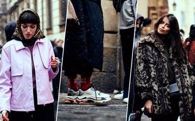 Drahé, no aj originálne. Také boli outfity ľudí v uliciach počas pražského Fashion Weeku