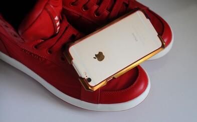 Drahšie príslušenstvo ako iPhone. Titánový kryt Advent s 24-karátovým zlatom stojí vyše 1 000 eur