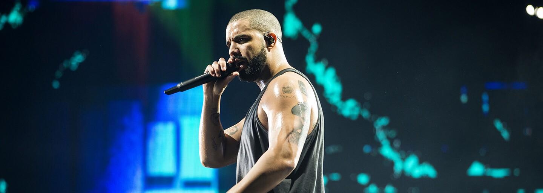 Drake nahral špeciálnu skladbu pre módnu prehliadku Louis Vuitton, ktorú si teraz môžeš vypočuť