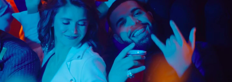 Drake v novom videoklipe spomína na svoje herecké začiatky. Odhaľuje aj cover a prezrádza dátum vydania albumu Scorpion