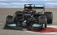 Drama do posledního kola. Hamilton vyhrál první závod F1 těsně před Verstappenen, Schumacher absolvoval debut